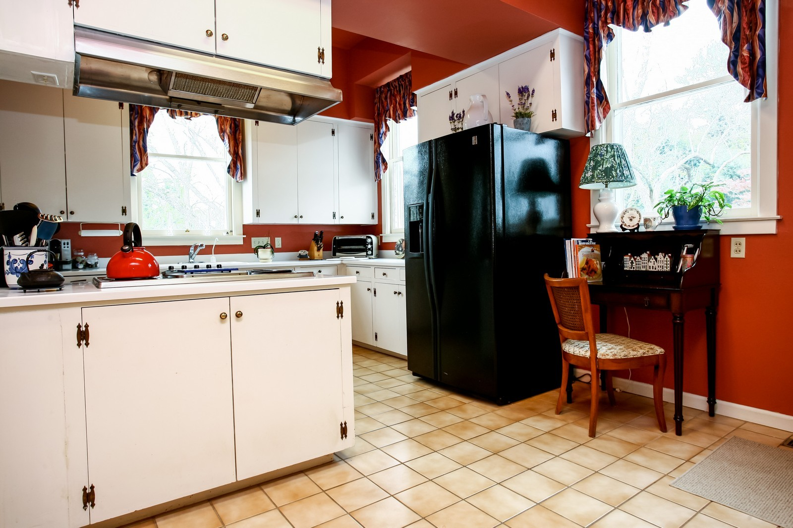 Real Estate Photography - 414 N 14th St, Lanett, AL, 36863 - Kitchen