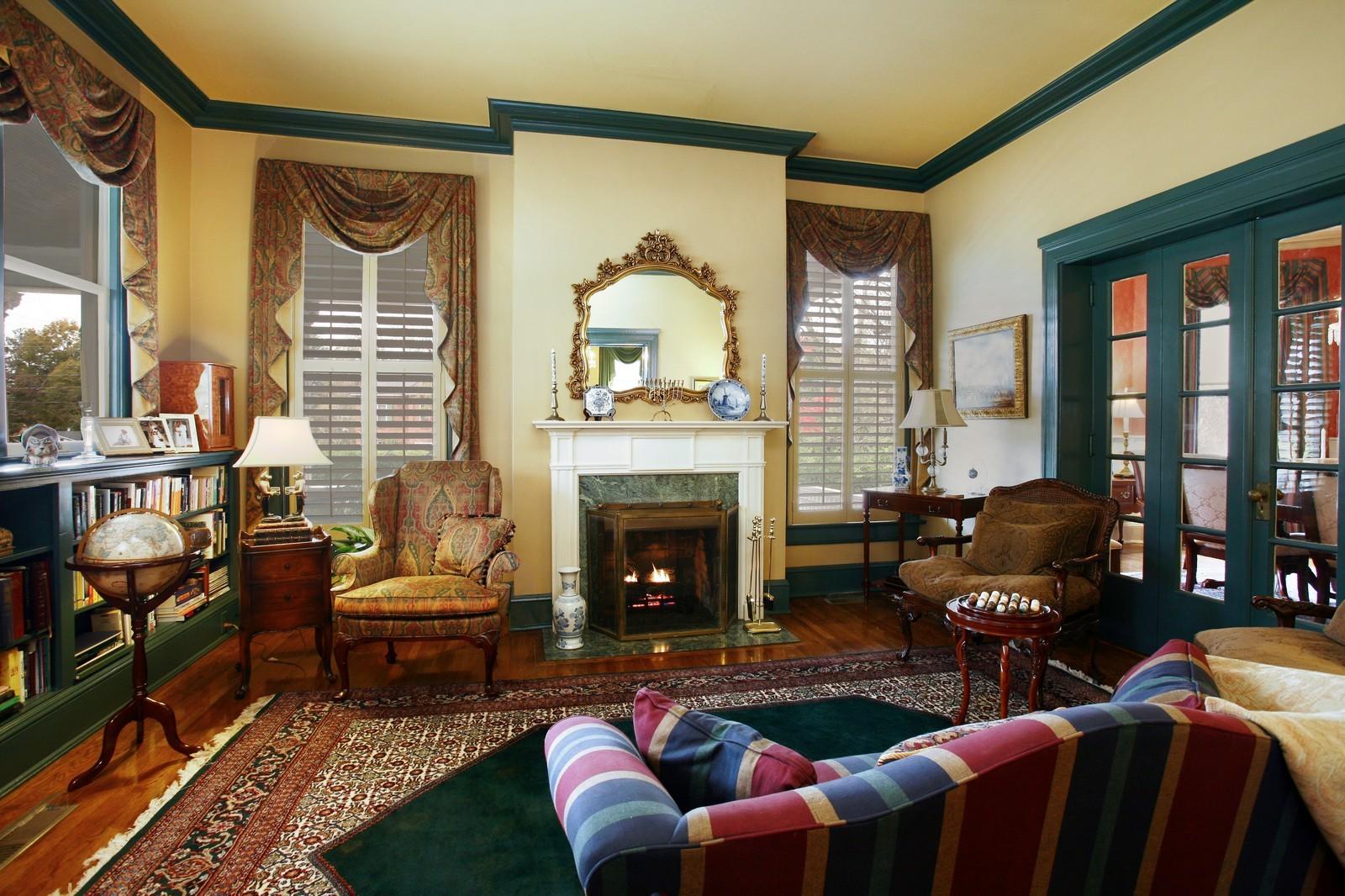 Real Estate Photography - 414 N 14th St, Lanett, AL, 36863 - Den