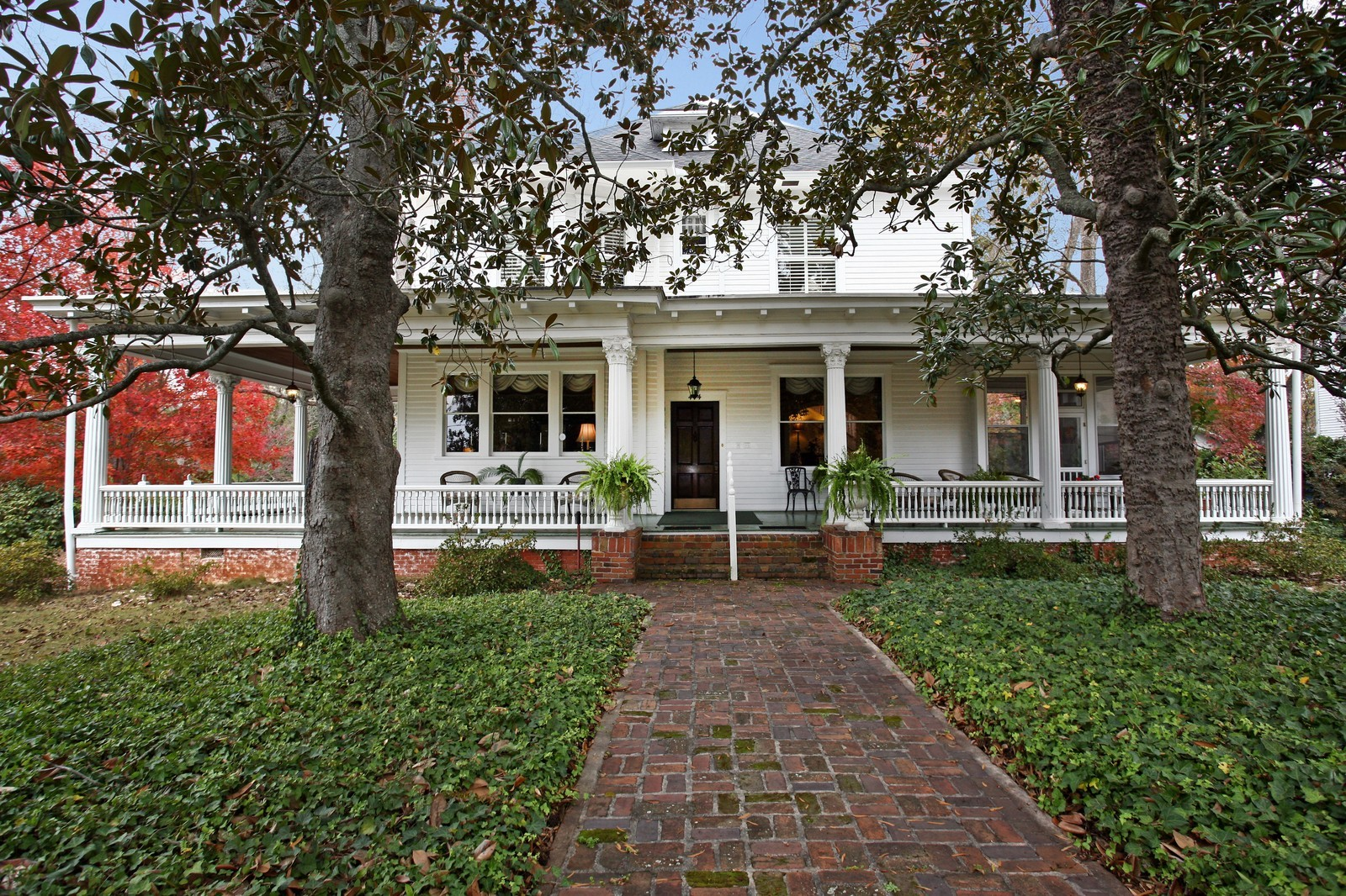 Real Estate Photography - 414 N 14th St, Lanett, AL, 36863 - Front View