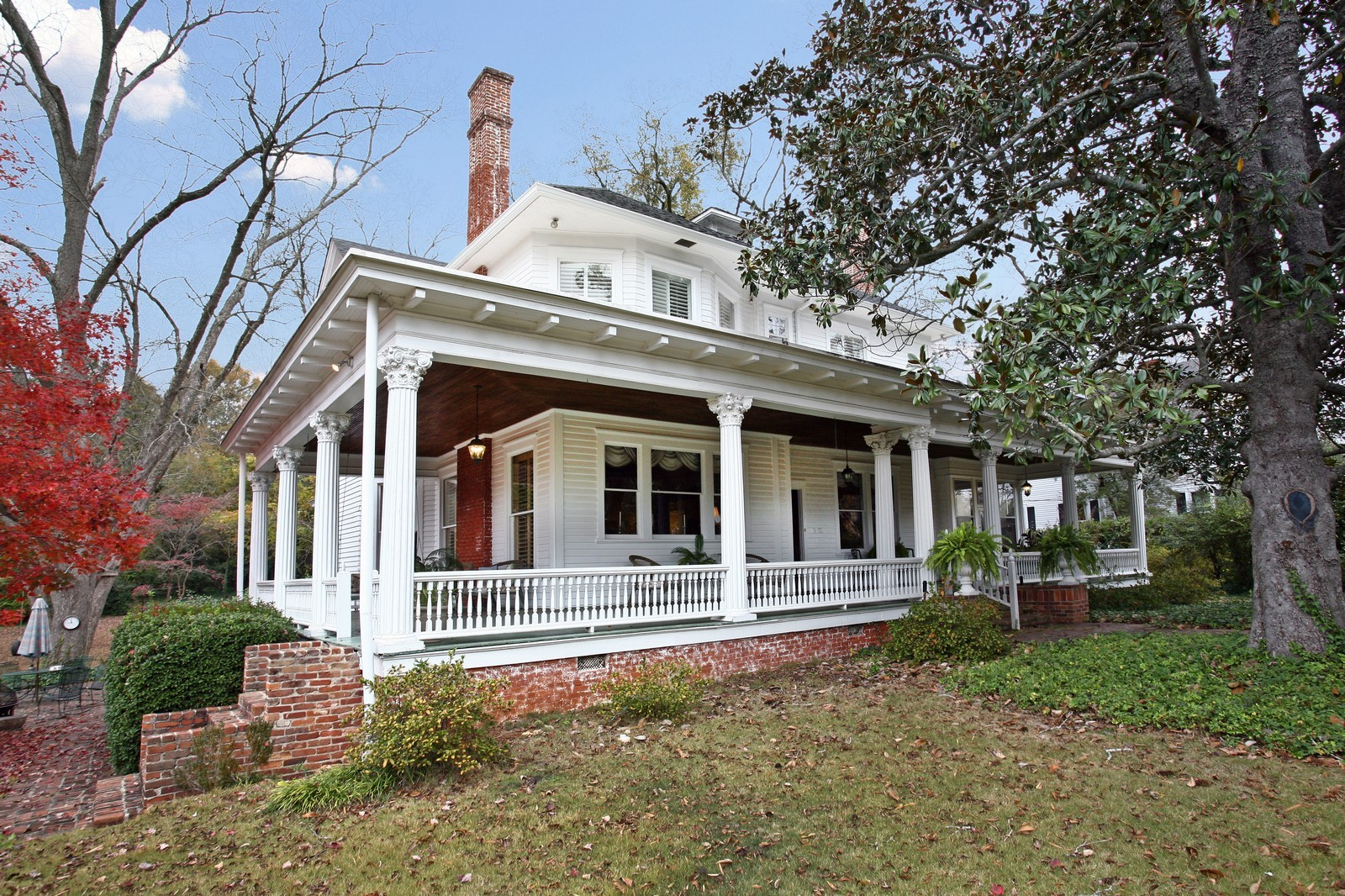 Real Estate Photography - 414 N 14th St, Lanett, AL, 36863 - Side View