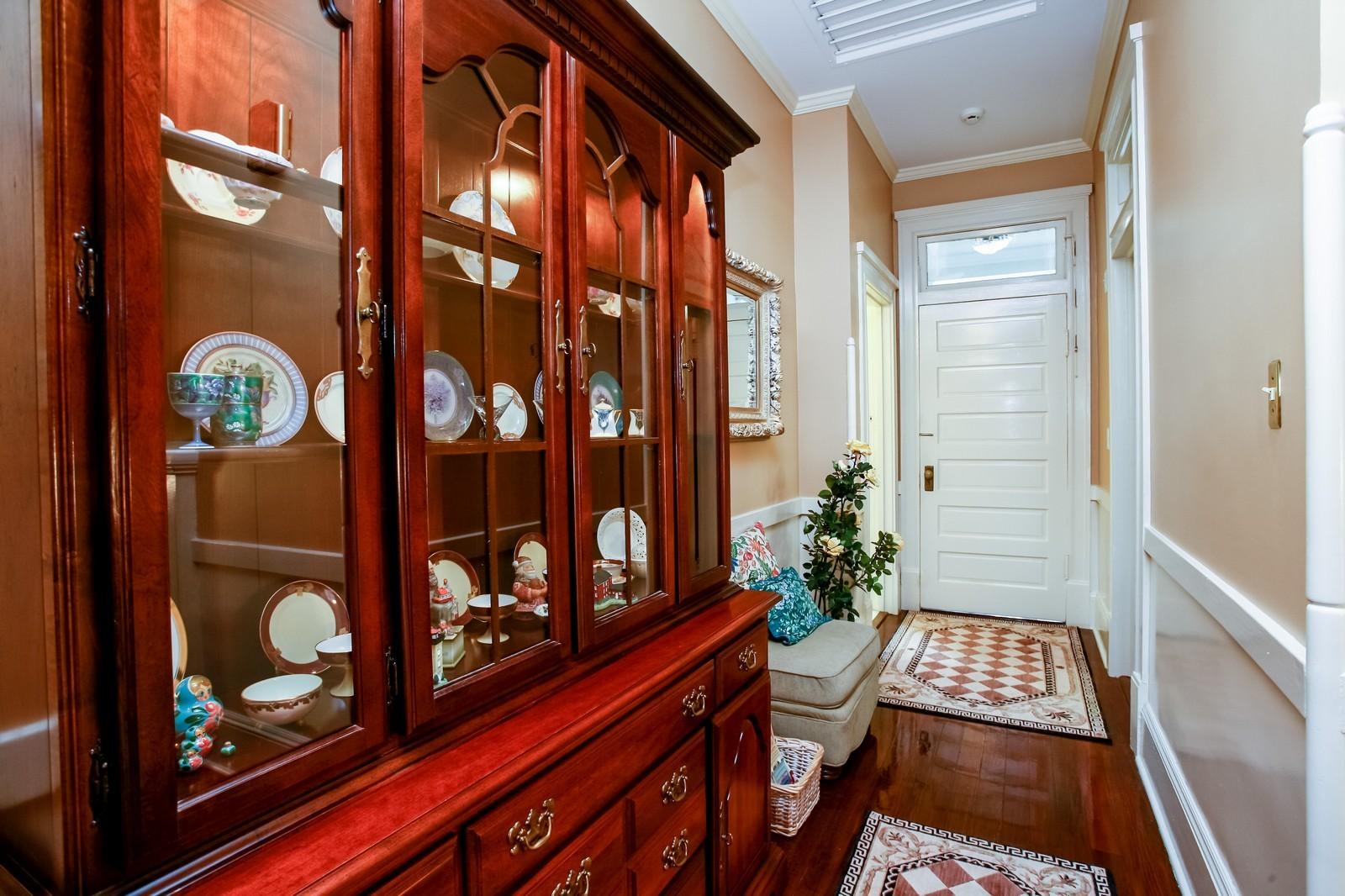 Real Estate Photography - 414 N 14th St, Lanett, AL, 36863 - Hallway