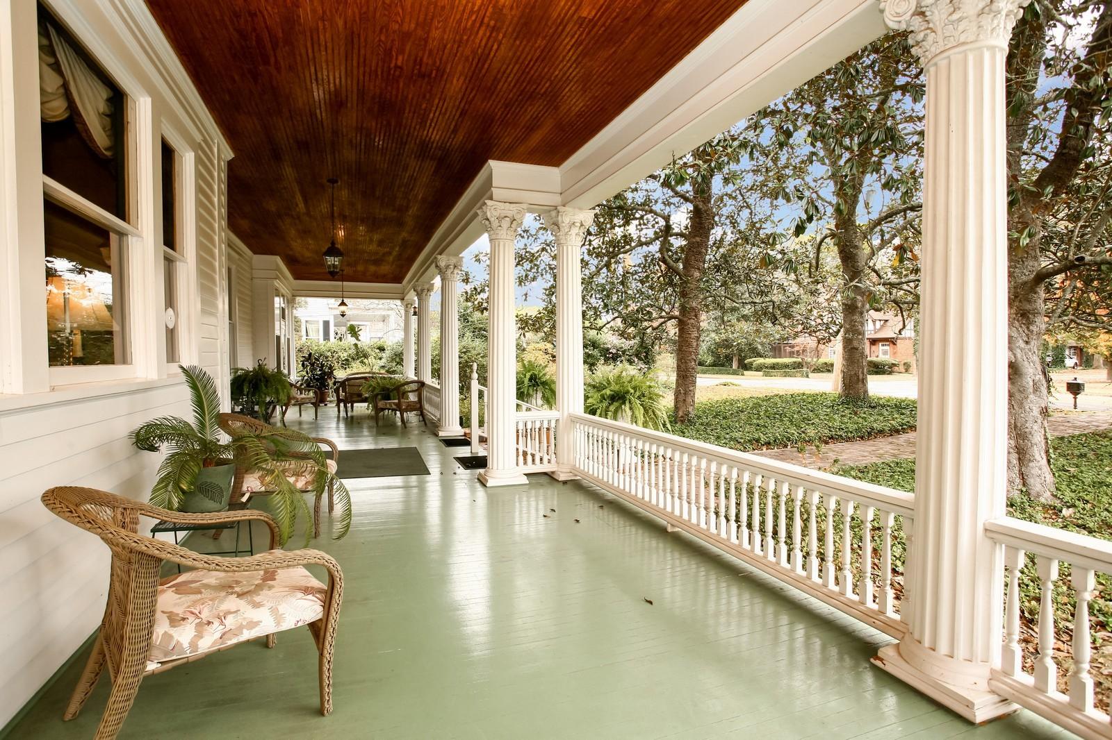 Real Estate Photography - 414 N 14th St, Lanett, AL, 36863 - Porch