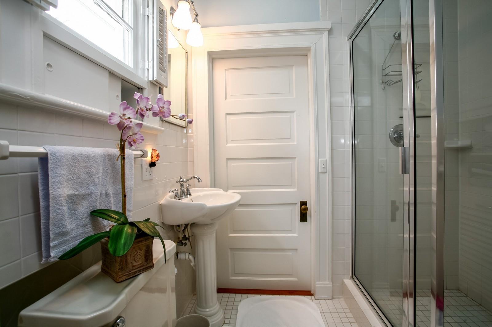 Real Estate Photography - 414 N 14th St, Lanett, AL, 36863 - Bathroom