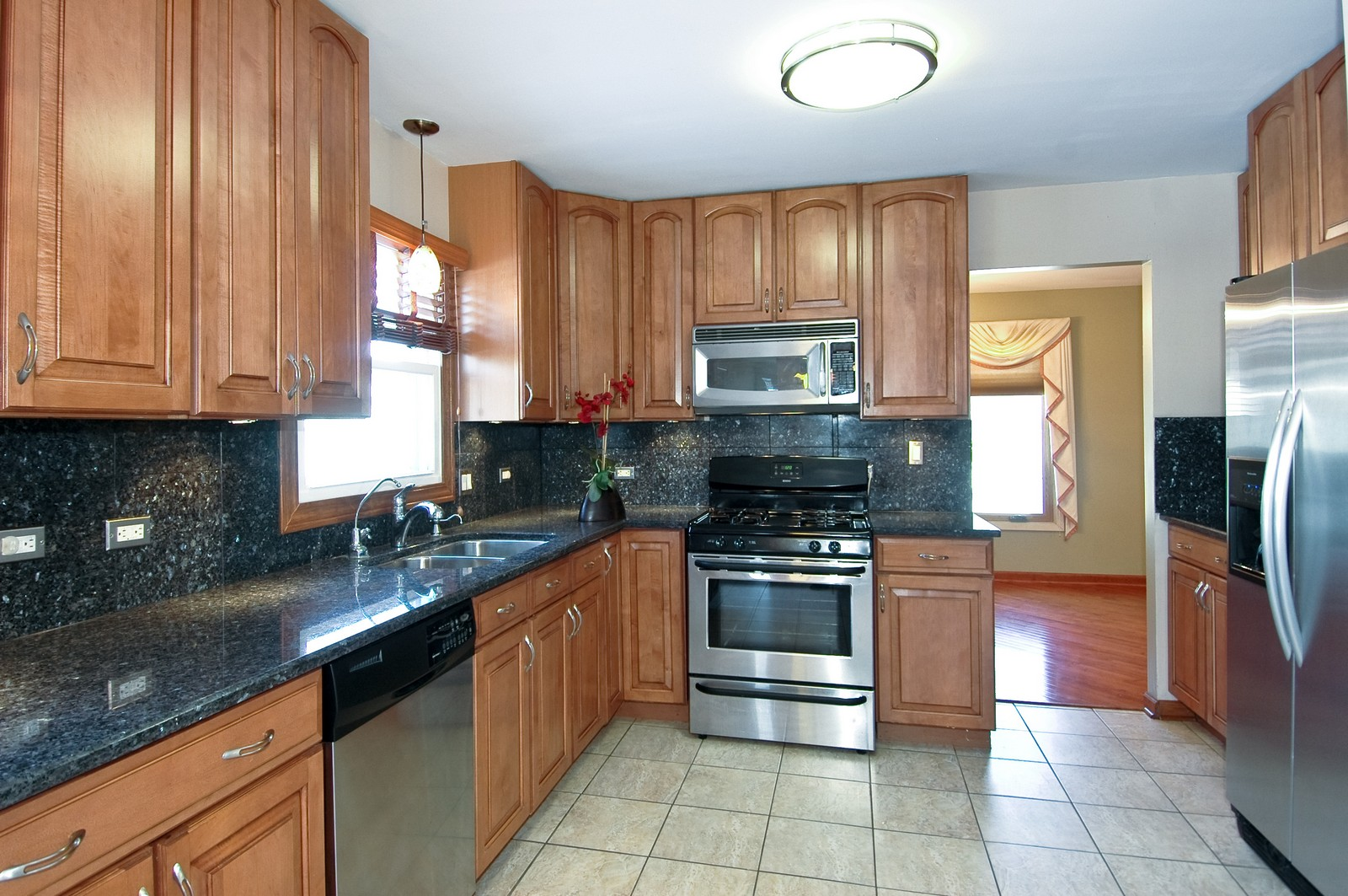 Real Estate Photography - 1624 Stratton Pond, Schaumburg, IL, 60194 - Kitchen