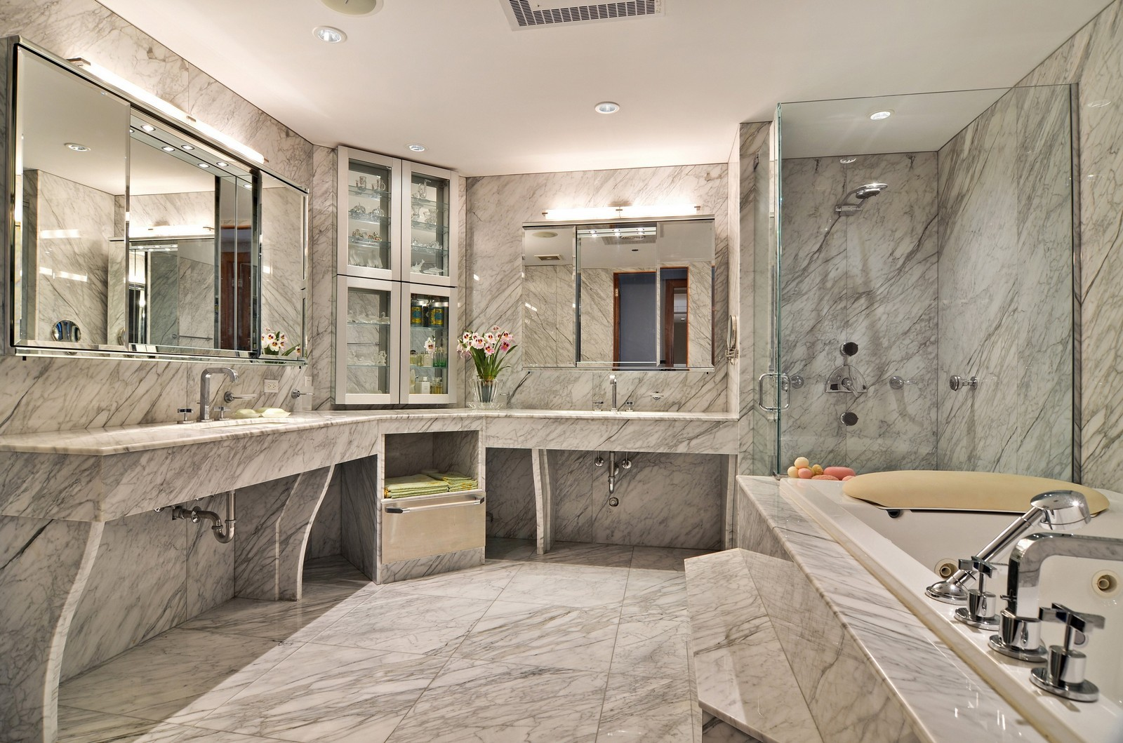 Real Estate Photography - 840 N Lake Shore Dr, Unit 201, Chicago, IL, 60611 - Master Bathroom
