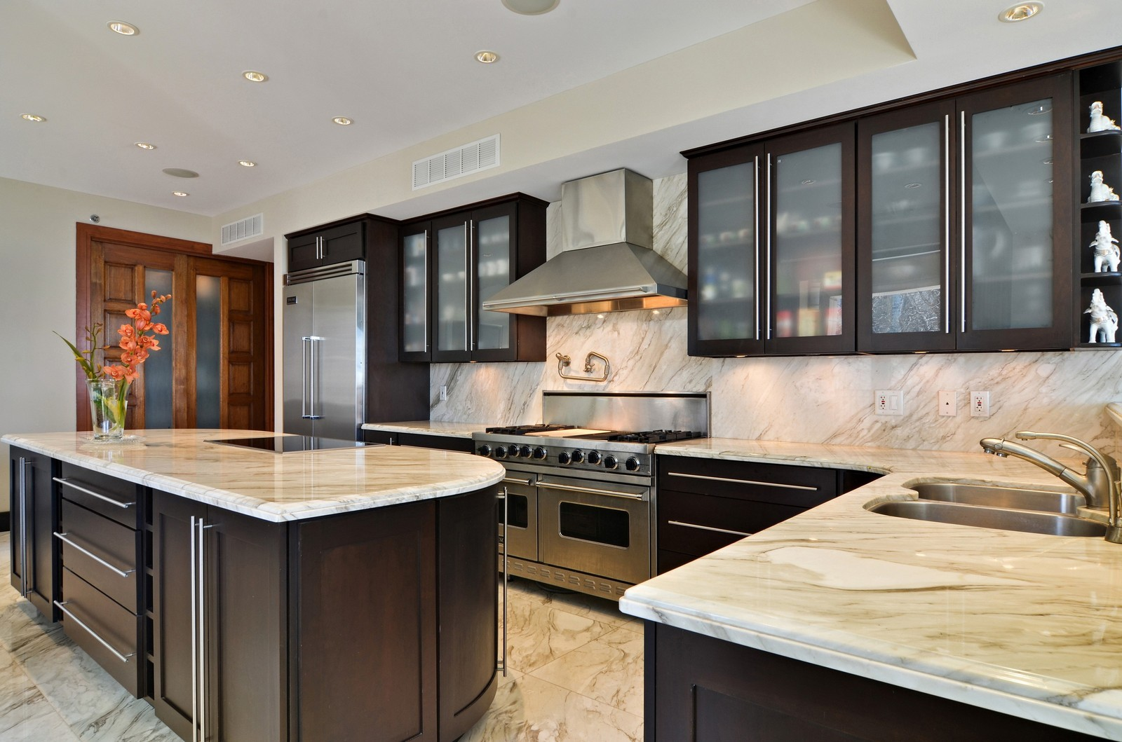 Real Estate Photography - 840 N Lake Shore Dr, Unit 201, Chicago, IL, 60611 - Kitchen
