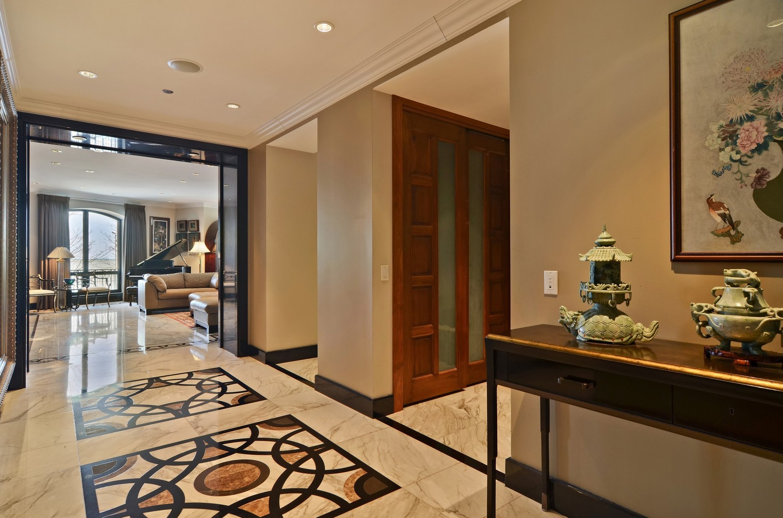 Real Estate Photography - 840 N Lake Shore Dr, Unit 201, Chicago, IL, 60611 - Foyer