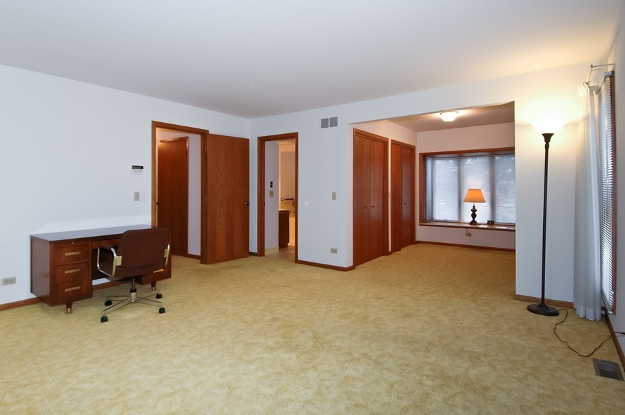 Real Estate Photography - 250 Spring Cove Rd, Elgin, IL, 60123 - Master Bedroom