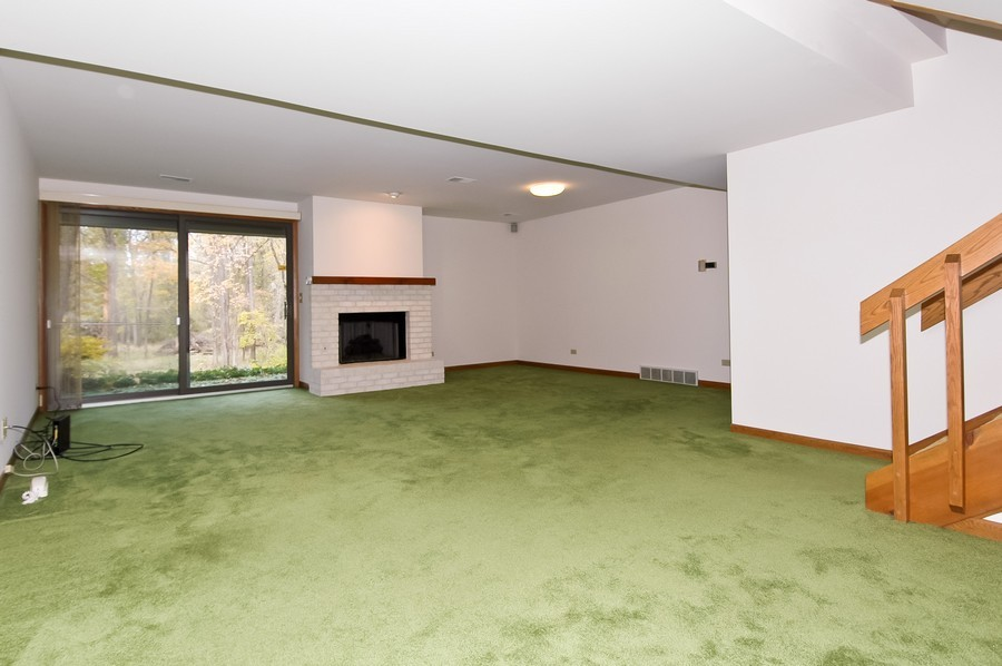Real Estate Photography - 250 Spring Cove Rd, Elgin, IL, 60123 - Family Room