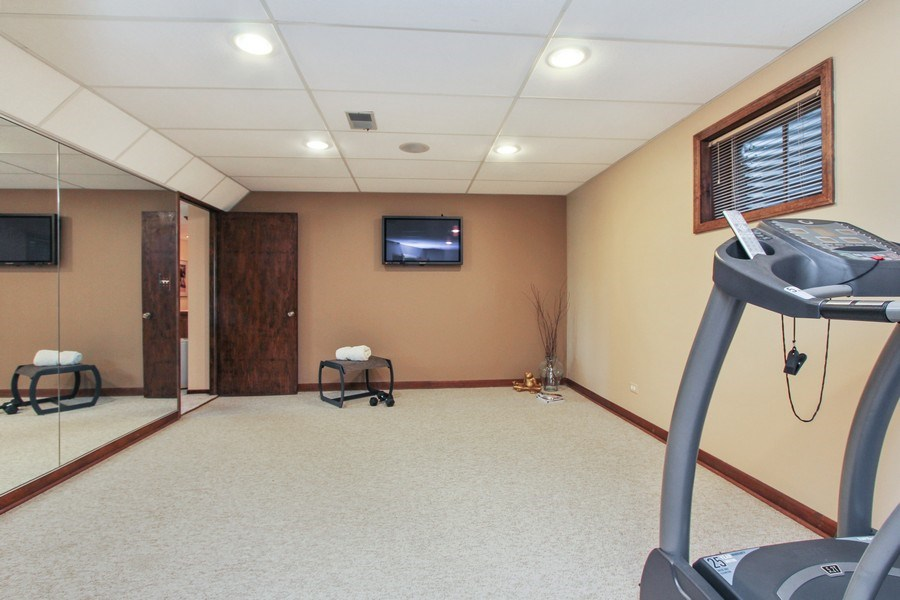 Real Estate Photography - 6 Harvard, Hawthorn Woods, IL, 60047 - Exercise Room