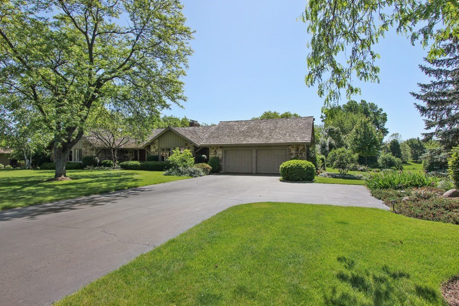 Real Estate Photography - 6 Harvard, Hawthorn Woods, IL, 60047 - Front View