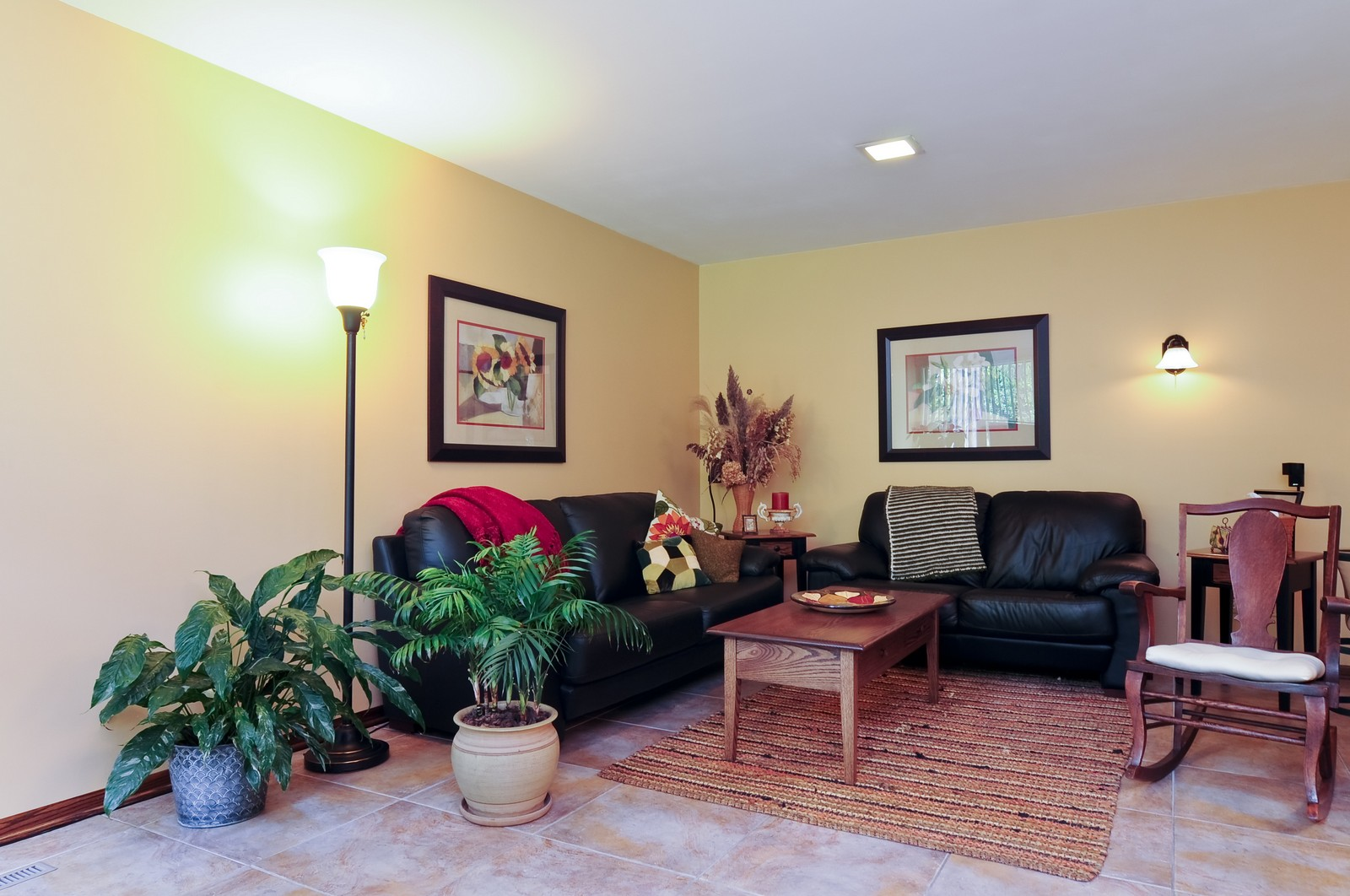 Real Estate Photography - 14185 W August Zupec, Wadsworth, IL, 60083 - Family Room
