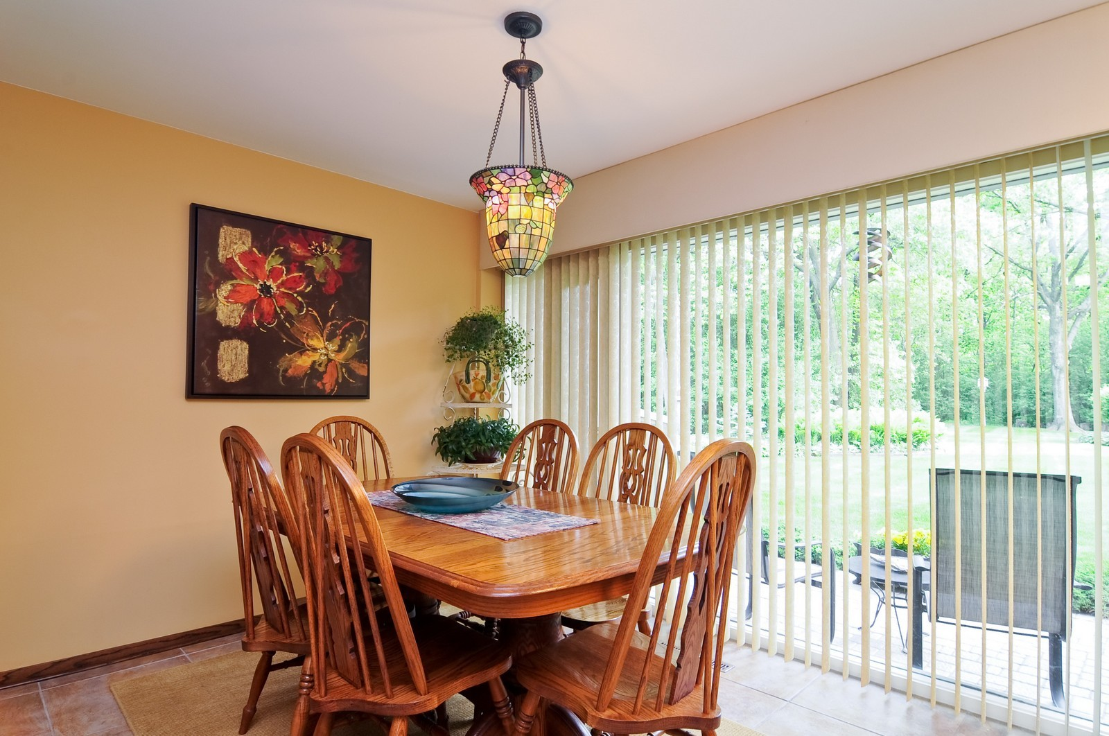Real Estate Photography - 14185 W August Zupec, Wadsworth, IL, 60083 - Breakfast Area