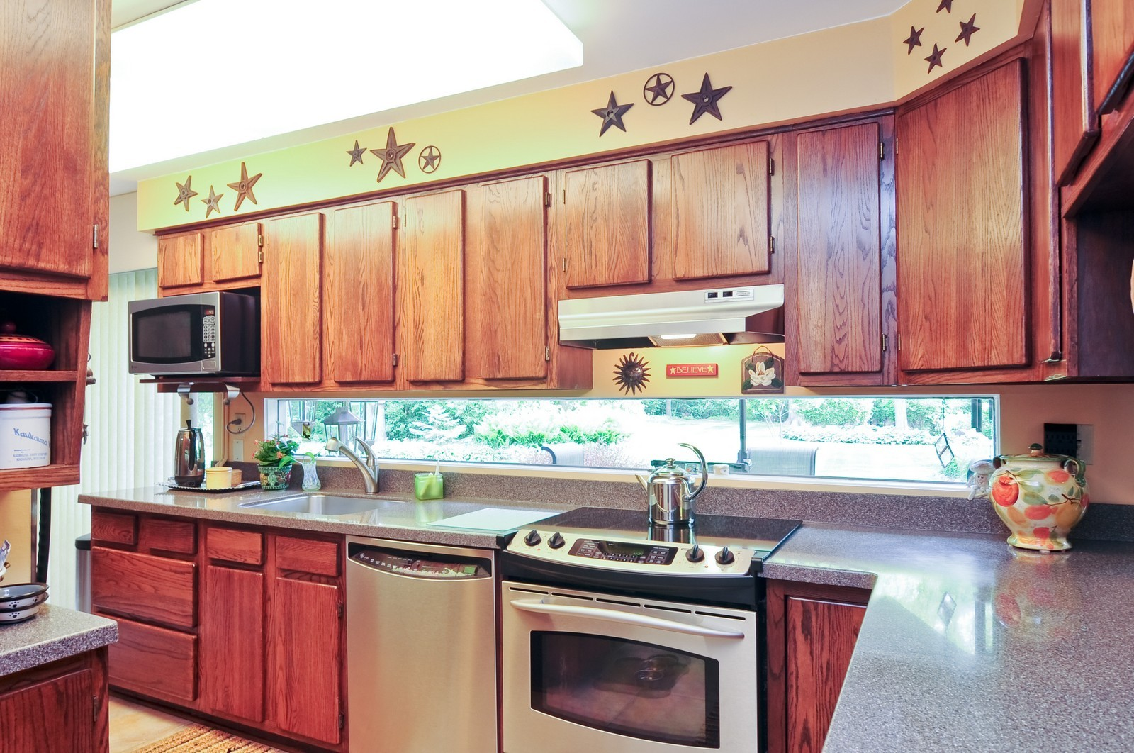 Real Estate Photography - 14185 W August Zupec, Wadsworth, IL, 60083 - Kitchen