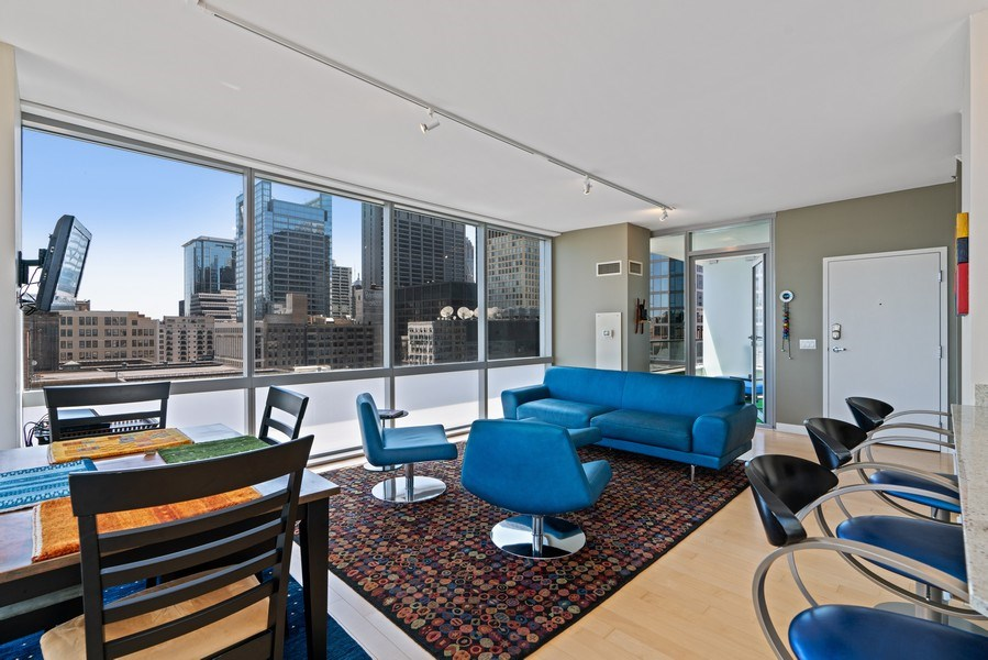 Real Estate Photography - 8 E Randolph, Chicago, IL, 60601 - Living Room / Dining Room