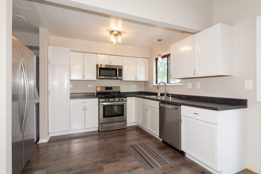 Real Estate Photography - 850 Camden, Aurora, IL, 60504 - Kitchen