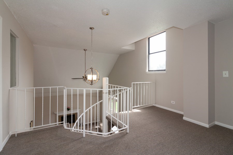 Real Estate Photography - 850 Camden, Aurora, IL, 60504 - Loft