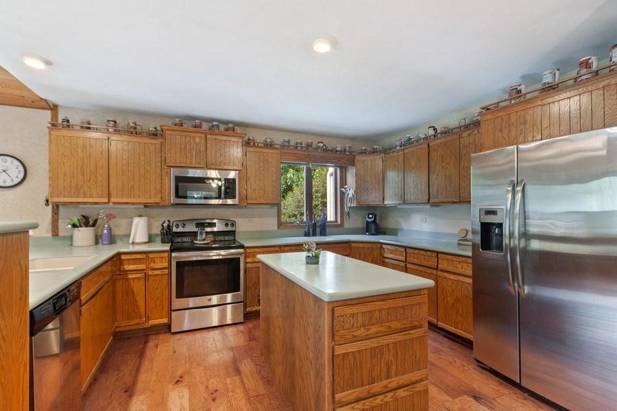 Real Estate Photography - 2S420 MADISON ST, WHEATON, IL, 60189 - Kitchen