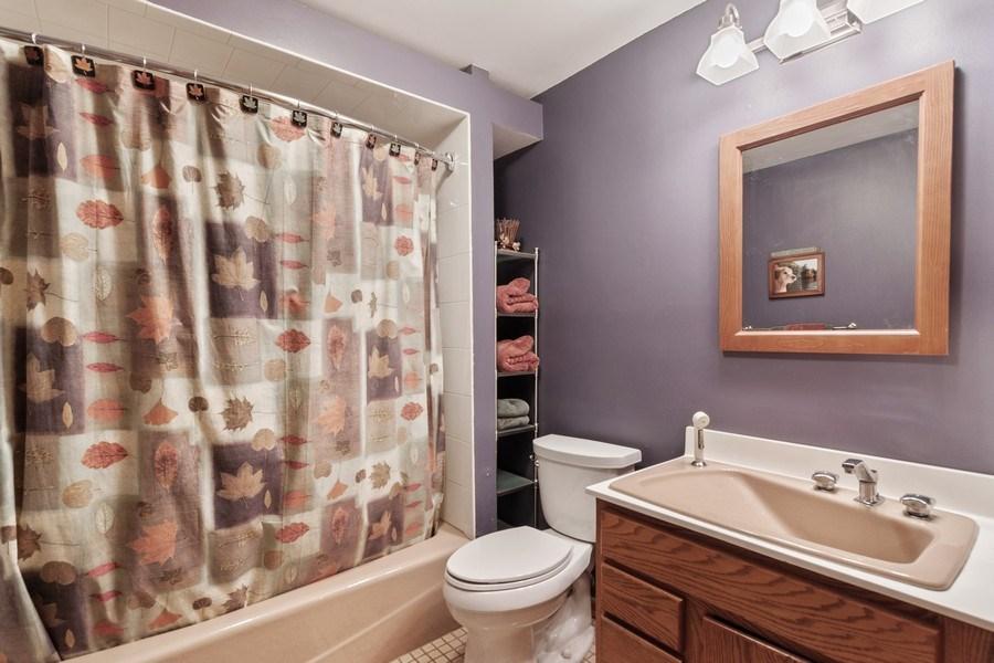 Real Estate Photography - 2S420 MADISON ST, WHEATON, IL, 60189 - Bathroom