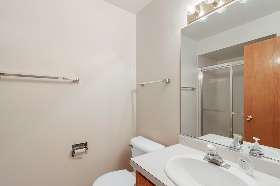 Real Estate Photography - 9430 West 166th Ct, Orland Park, IL, 60467 - 2nd Bathroom