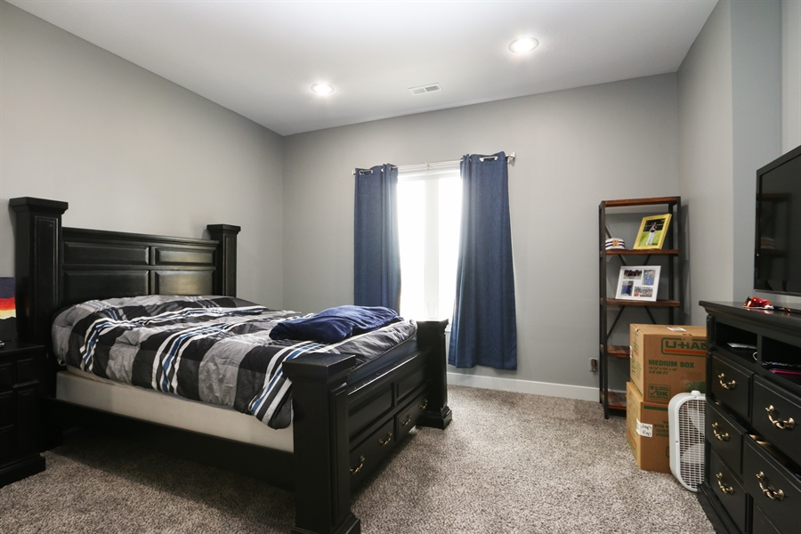 Real Estate Photography - 13275 33 Highway, Kearney, MO, 64060 - Kids Bedroom