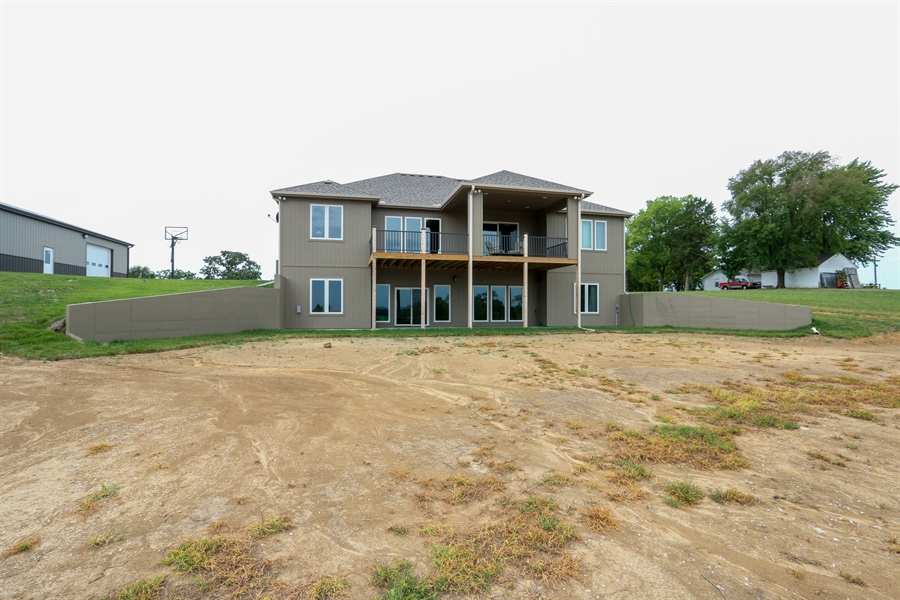 Real Estate Photography - 13275 33 Highway, Kearney, MO, 64060 - Rear View