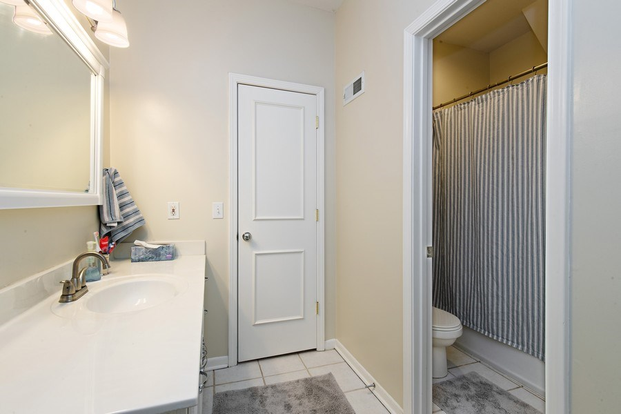 Real Estate Photography - 6108 W 61st Terrace, Mission, KS, 66202 - Jack-&-Jill 2nd floor bathroom