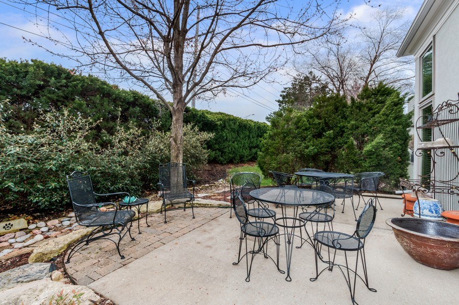Real Estate Photography - 8811 W 142 Ct, Overland Park, KS, 66221 - Porch