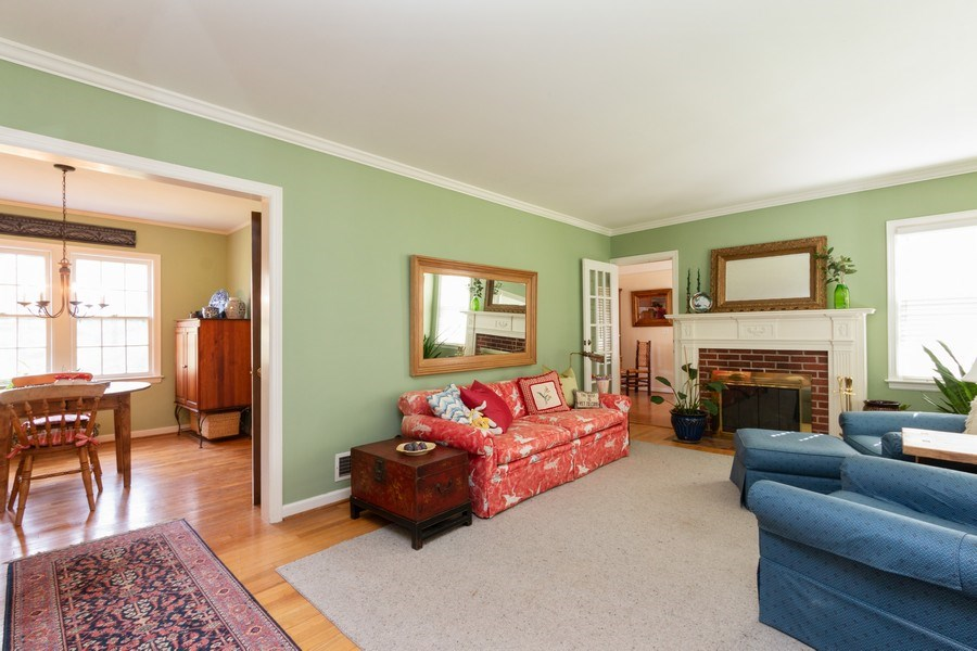 Real Estate Photography - 6608 W 65th Terrace, Overland Park, KS, 66202 - Living Room