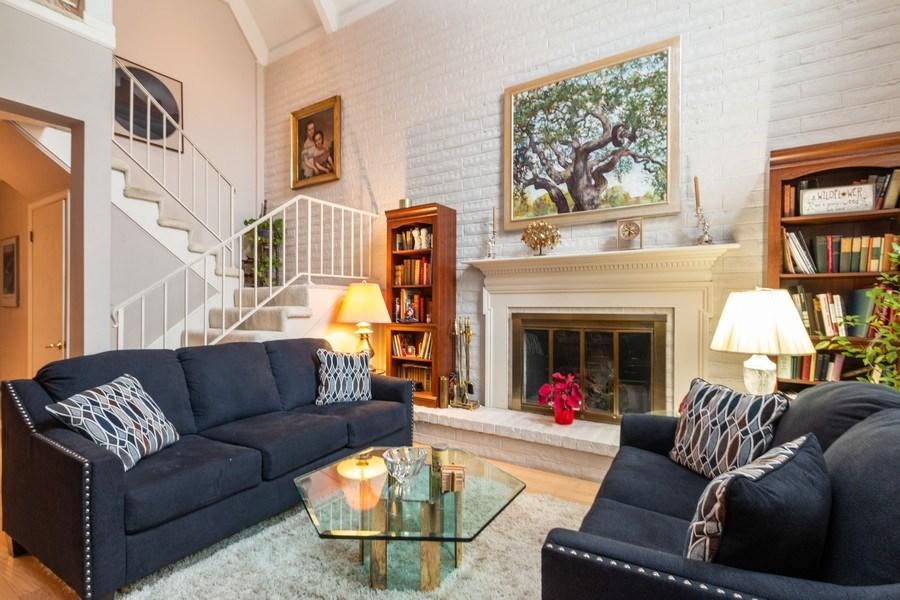 Real Estate Photography - 10784 Glenwood, Overland Park, KS, 66211 - Living Room