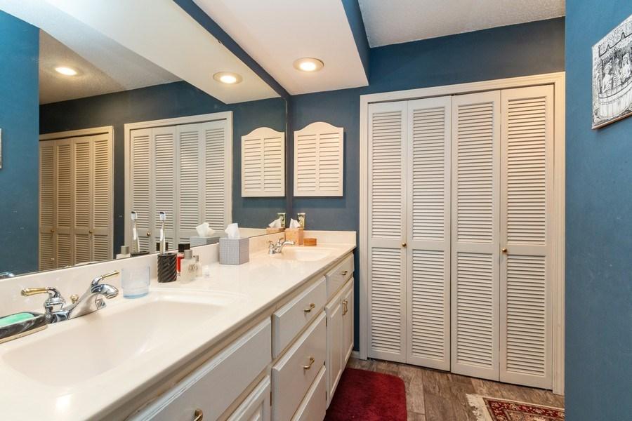 Real Estate Photography - 10784 Glenwood, Overland Park, KS, 66211 - Master Bathroom