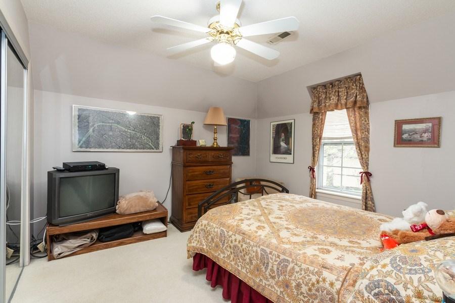 Real Estate Photography - 10784 Glenwood, Overland Park, KS, 66211 - Guest Bedroom