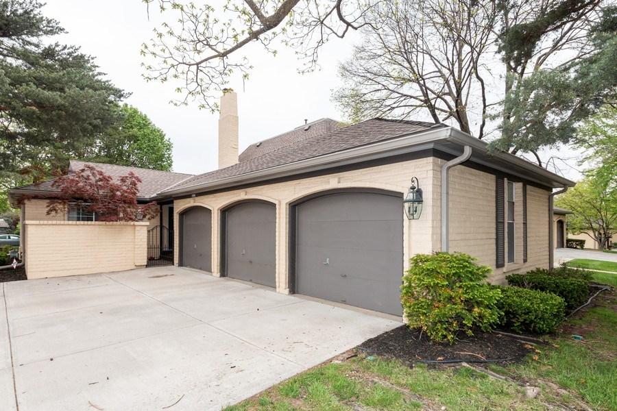 Real Estate Photography - 10784 Glenwood, Overland Park, KS, 66211 - Garage