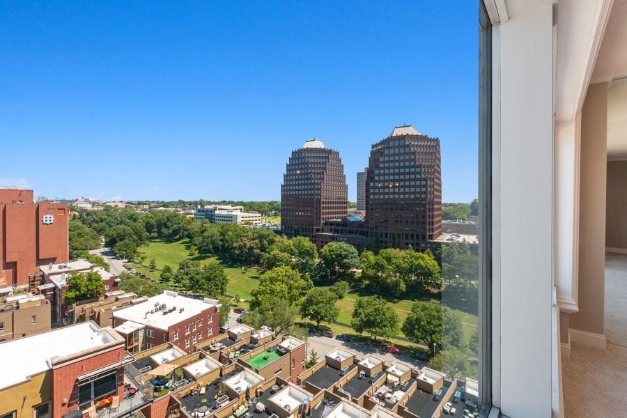Real Estate Photography - 4545 Wornall, #1110, Kansas City, MO, 64112 - View