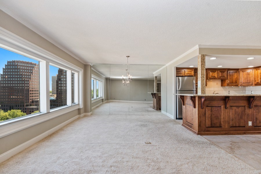Real Estate Photography - 4545 Wornall, #1110, Kansas City, MO, 64112 - Dining Room