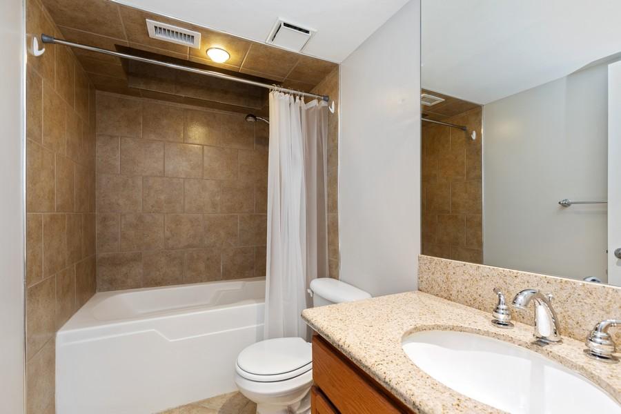 Real Estate Photography - 600 E Admiral Blvd., Unit 503, Kansas City, MO, 64106 - Master Bathroom