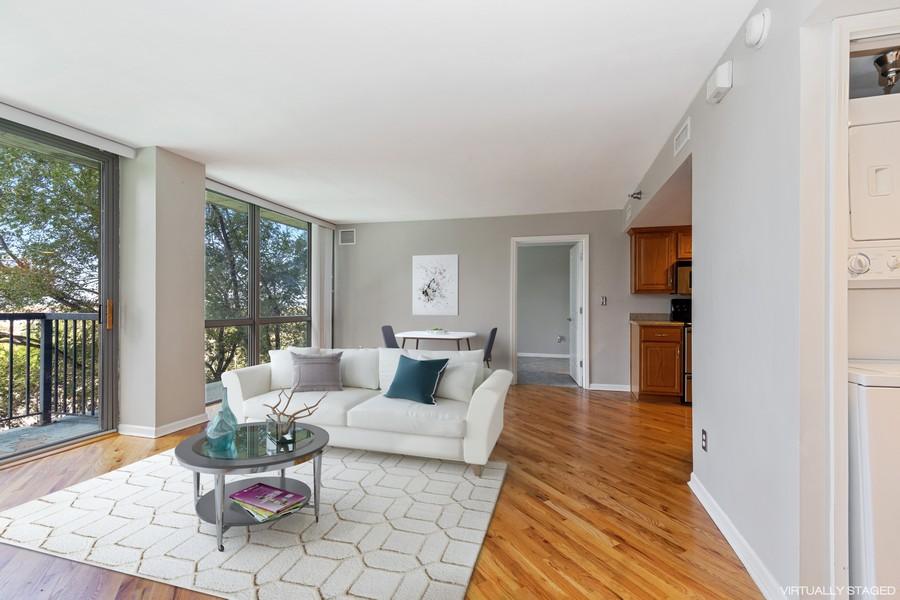 Real Estate Photography - 600 E Admiral Blvd., Unit 503, Kansas City, MO, 64106 - Living Room