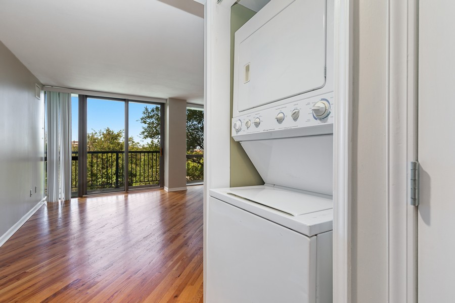 Real Estate Photography - 600 E Admiral Blvd., Unit 503, Kansas City, MO, 64106 - Laundry Room