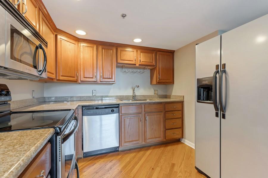 Real Estate Photography - 600 E Admiral Blvd., Unit 503, Kansas City, MO, 64106 - Kitchen