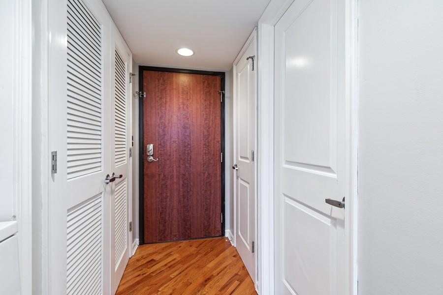 Real Estate Photography - 600 E Admiral Blvd., Unit 503, Kansas City, MO, 64106 - Entryway