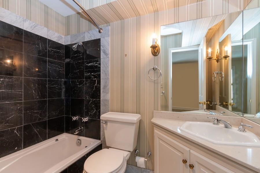 Real Estate Photography - 1105 West 47th Street B, Kansas City, MO, 64112 - Bathroom