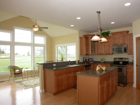 Real Estate Photography - 6463 Torrington, Medina, OH, 44256 - Kitchen / Breakfast Room
