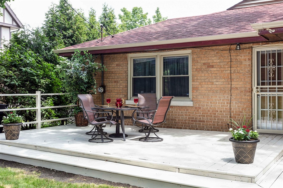 Real Estate Photography - 10602 S Longwood Dr, Chicago, IL, 60643 - Deck
