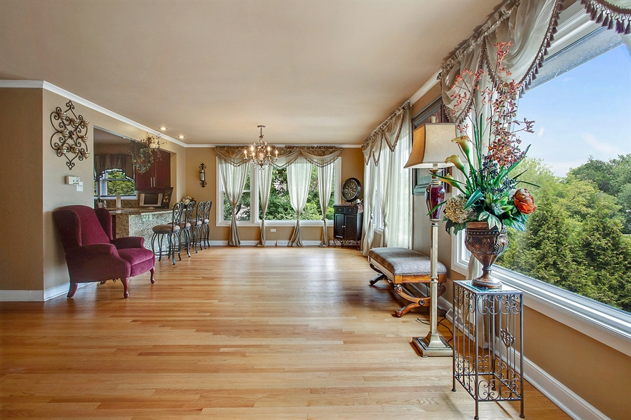 Real Estate Photography - 10602 S Longwood Dr, Chicago, IL, 60643 - Living Room / Dining Room