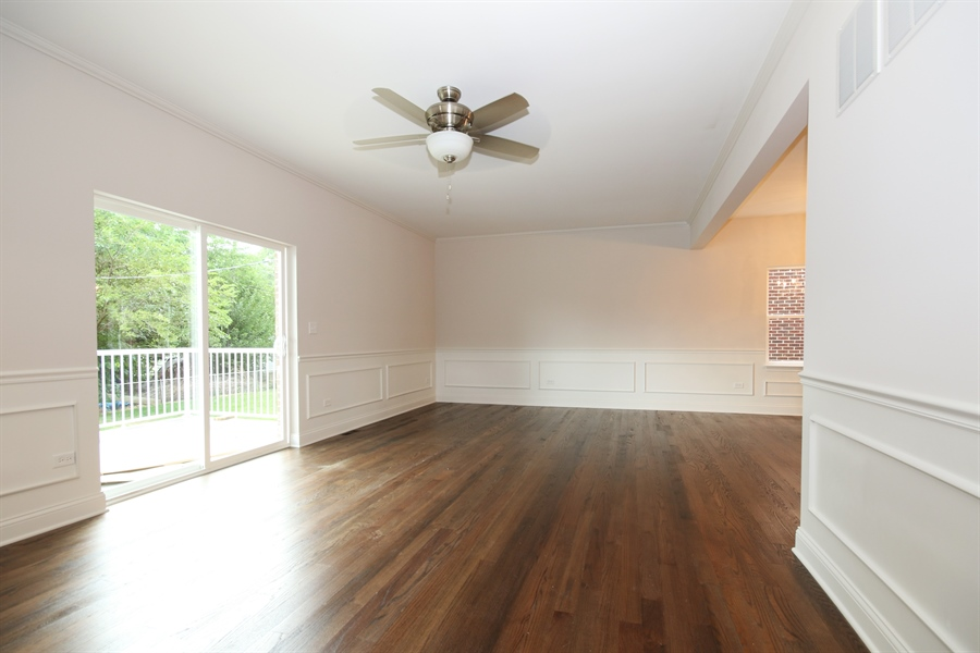 Real Estate Photography - 9006 Parkside Ave, Oak Lawn, IL, 60453 - Living Room