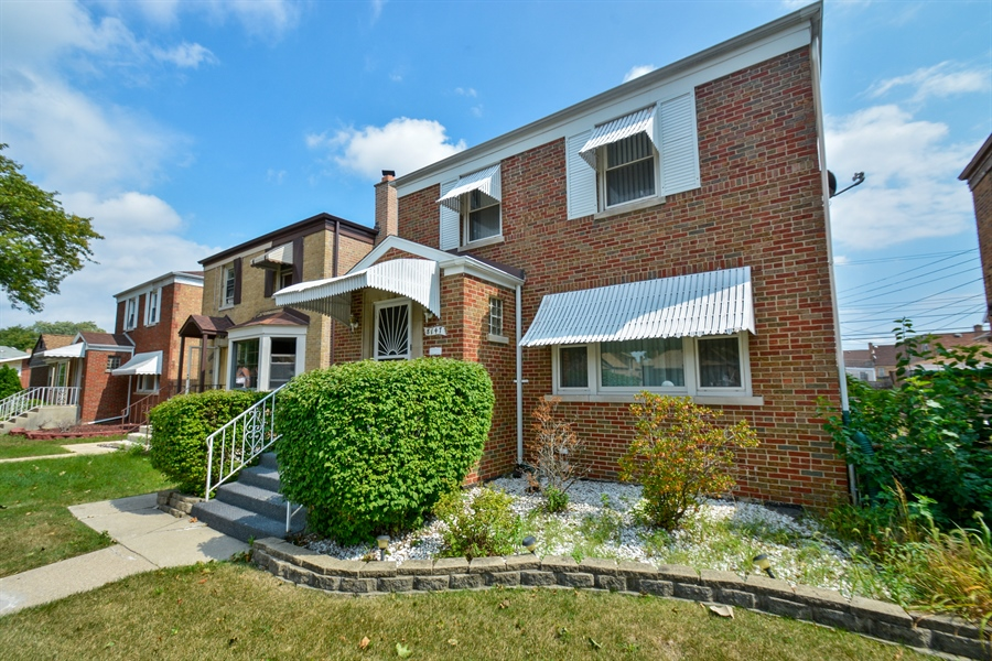 Real Estate Photography - 8147 S Talman Ave, Chicago, IL, 60652 - Front View