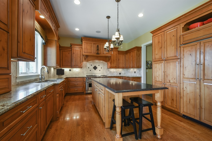 Real Estate Photography - 26053 West Sunset Road, Barrington, IL, 60010 - Kitchen