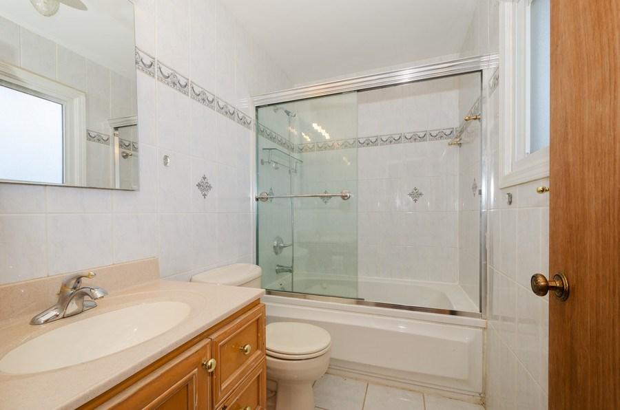 Real Estate Photography - 10054 Lacrosse Ave, Skokie, IL, 60077 - Master Bathroom