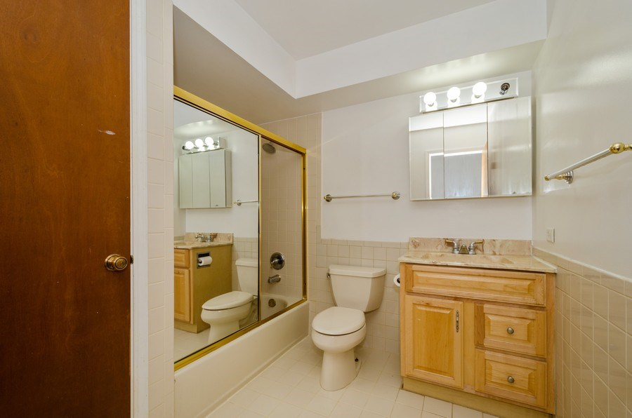 Real Estate Photography - 10054 Lacrosse Ave, Skokie, IL, 60077 - 2nd Bathroom