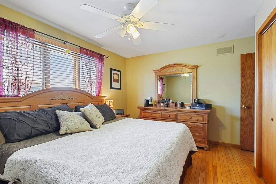 Real Estate Photography - 8124 Tudor Lane, Tinley Park, IL, 60477 - 2nd Bedroom